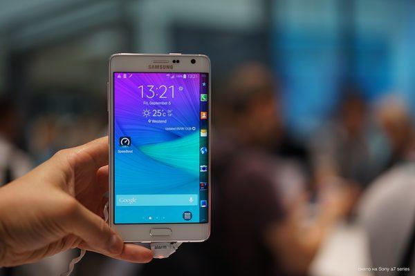 Galaxy Note Edge фото