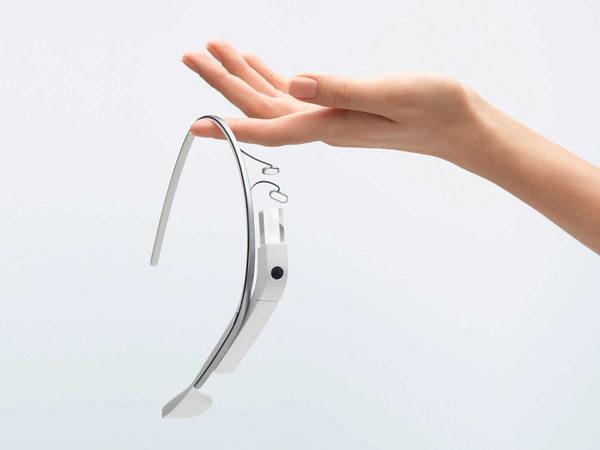 Google Glass на нынешнем этапе развития не является ни смартфоном, ни очками.