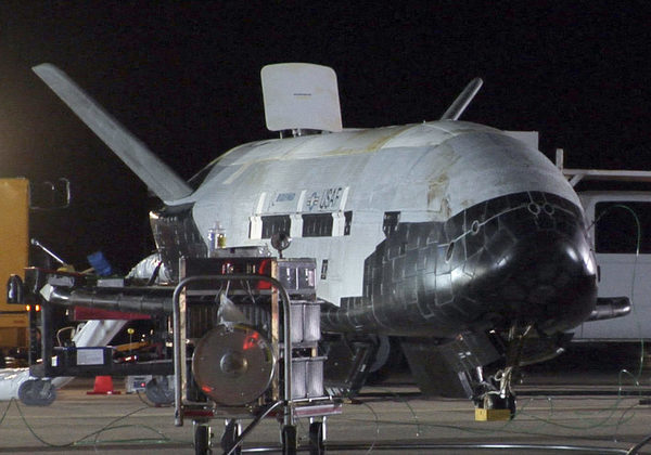 X-37B после приземления, прошлой миссии