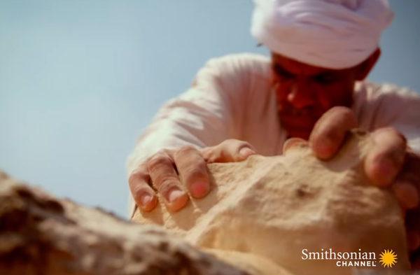 Обработка камня для лицевой части пирамиды Гизы