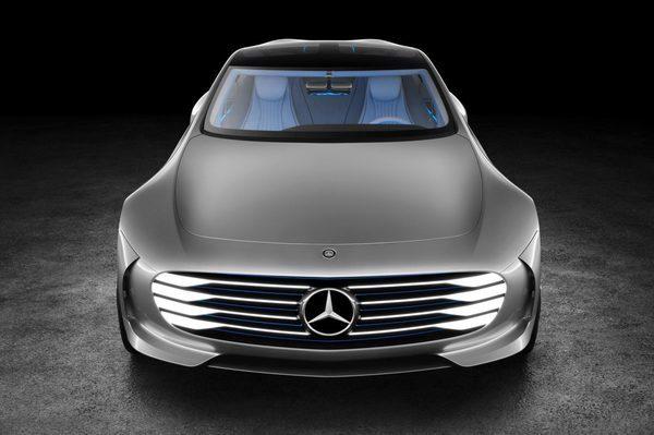 Новый Mercedes-Benz IAA (16)