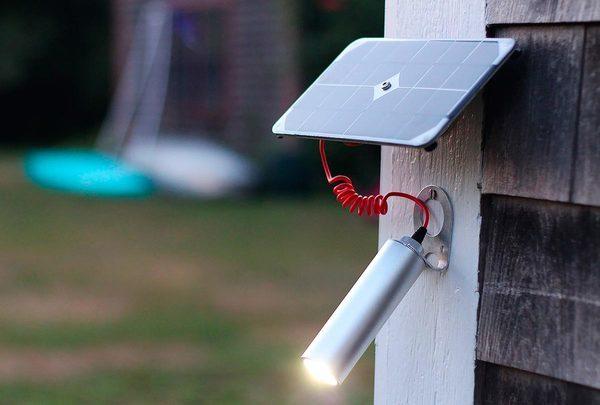 Voltaic Портативное-зарядное-устройство-на-солнечных-батареях (4)